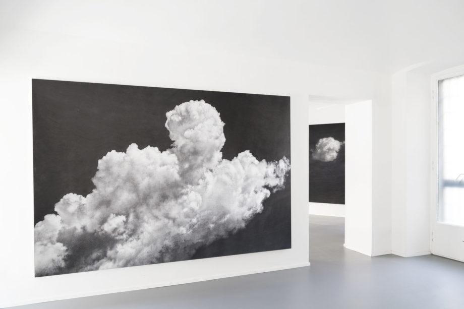 Elvio Chiricozzi Sono per nuvole, 2015 grafite su tela cm 300x200 Nuvole sole, 2017 matita su legno