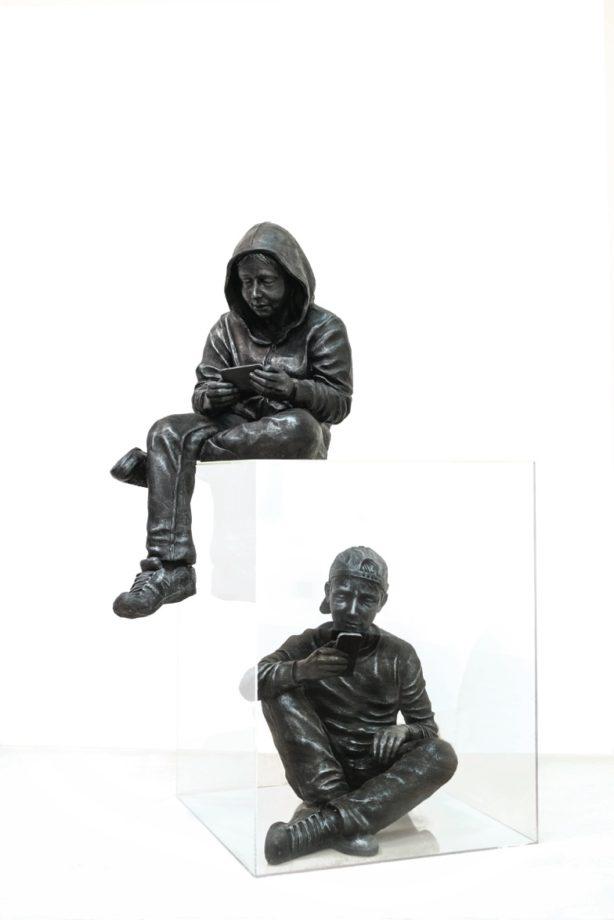 Simone Benedetto, Together Alone, resina, plexiglas, 155x100x70 cm, 2015