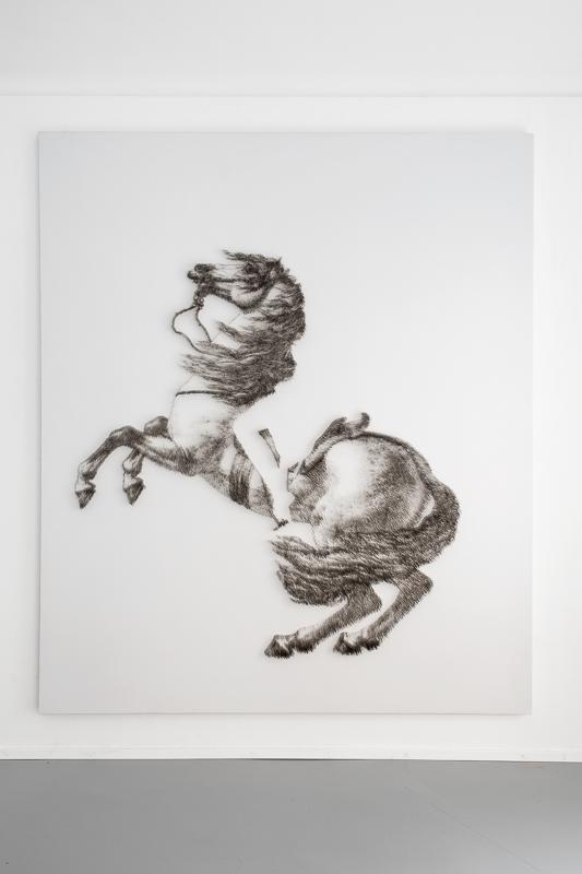 IL CAVALLO DI NAPOLEONE, 2018 spilli su tela, cm 235 x 200 x 7,2