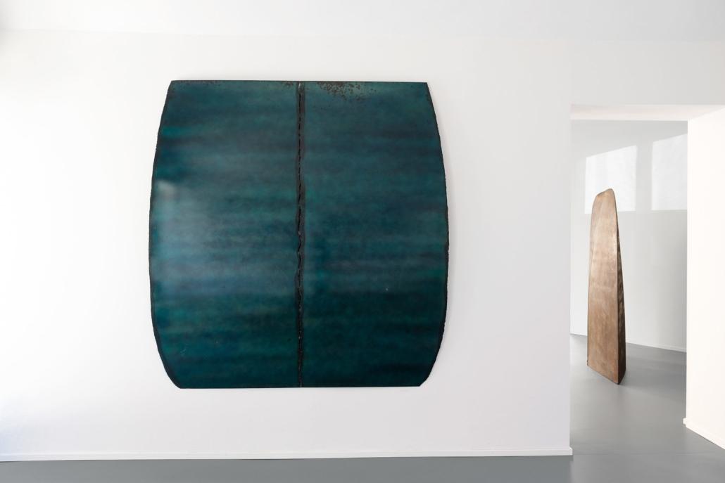 Salvatore Astore, Calotta 4006, 1987. Ferro saldato e vernice, cm 200 x 193