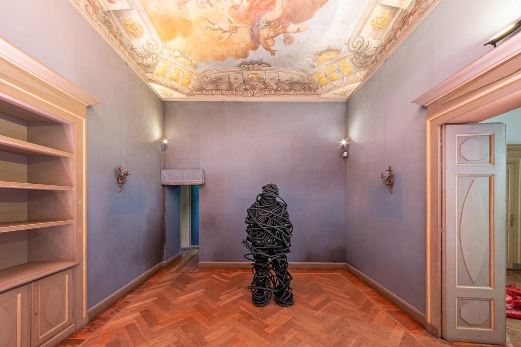 Paolo Grassino, No name, 2014 – fusione di alluminio, 178 x 70 x 56 cm